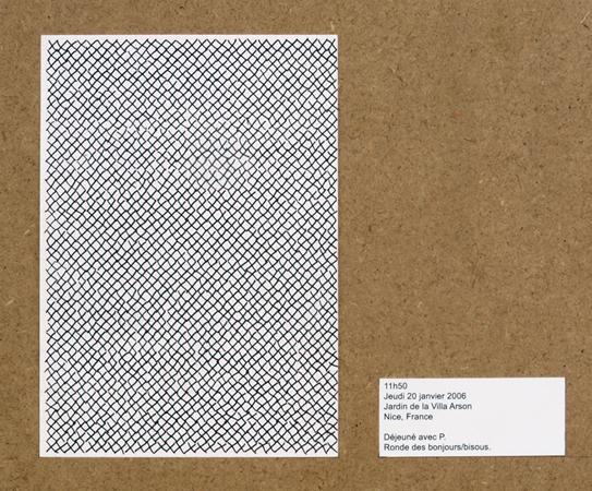 Alexandra Guillot, tissage, 2005-2006. Série de 34 dessins A5 annotés fixés sur plaque de médium. photo : Jean-Baptiste Ganne.