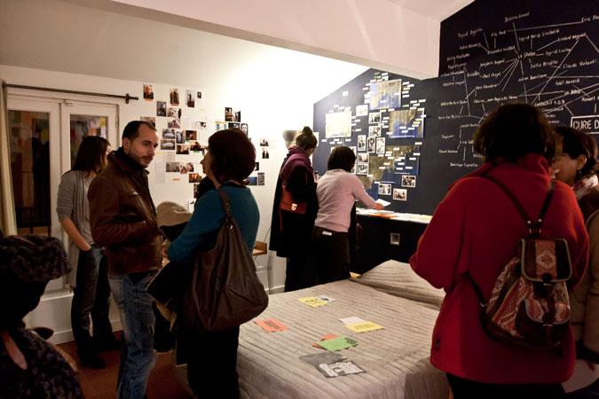 Installation et médiation autour du projet Cure d'Azote dans le cadre de Supervues011 à l'Hôtel Burrhus, Vaison-la-Romaine, du 16 au 18 décembre 2011. © Photo : Claude Valenti.