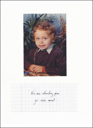 Eric Pougeau, Ne me cherchez pas je suis mort, 2005. Photographie et stylo sur papier, 29,7 x 21 cm. Courtesy Galerie Olivier Robert, Paris.